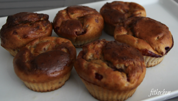 Lowcarb Vanillemuffins mit Johannisbeeren